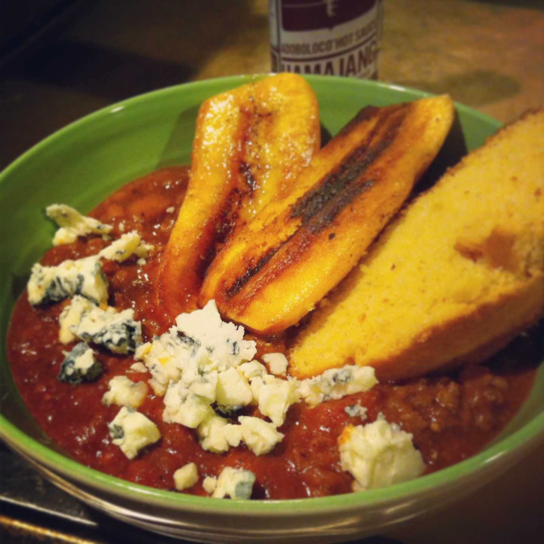 Hamajang Superbowl of chili with fried plantain